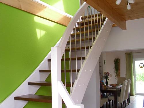treppen aus holz af t ren m bel essen. Black Bedroom Furniture Sets. Home Design Ideas